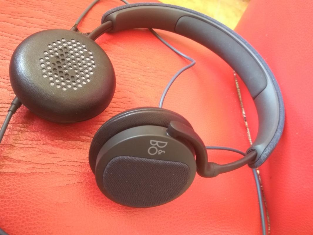 Наушники Bang & Olufsen  H2 Carbon Blue